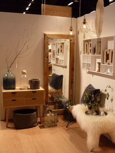 Tendance d coration la transparence se d voile for Objets decoratifs salon