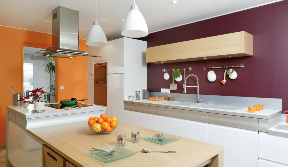 La couleur orange r investit la cuisine le blog d for Credence aubergine