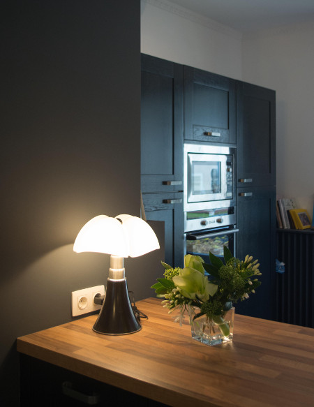 la lampe pipistrello une ic ne en cuisine le blog d 39 arthur bonnet. Black Bedroom Furniture Sets. Home Design Ideas